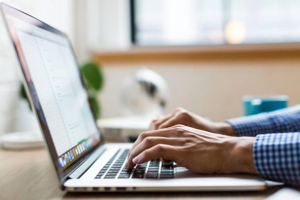 online konzultacio